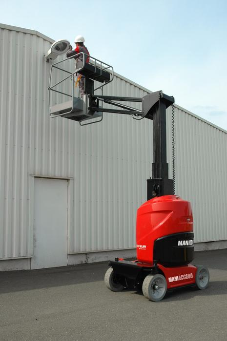 Vertical Mast & Personnel Lifts